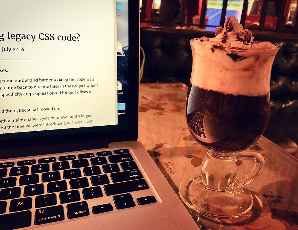 freelancing-working-at-cafe-fun-republic-social-mumbai